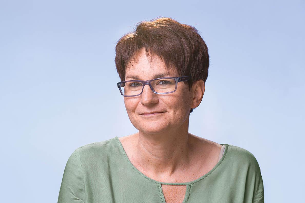 Frau Marion Fischer