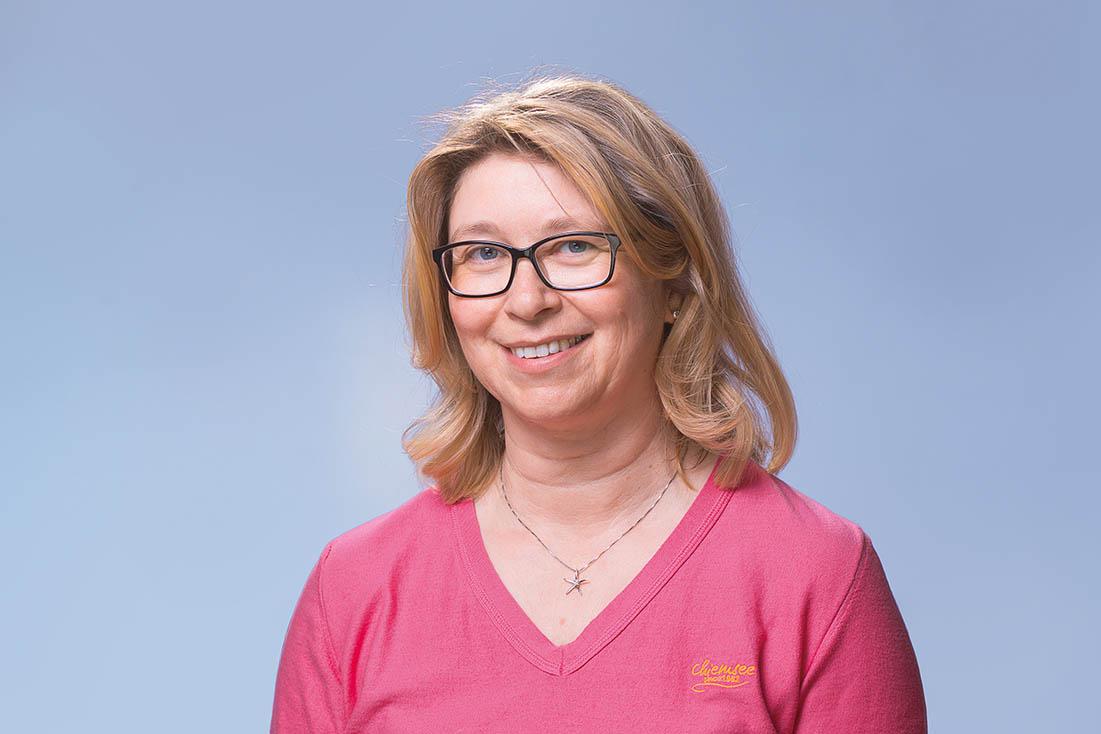 Frau Annemarie Hien