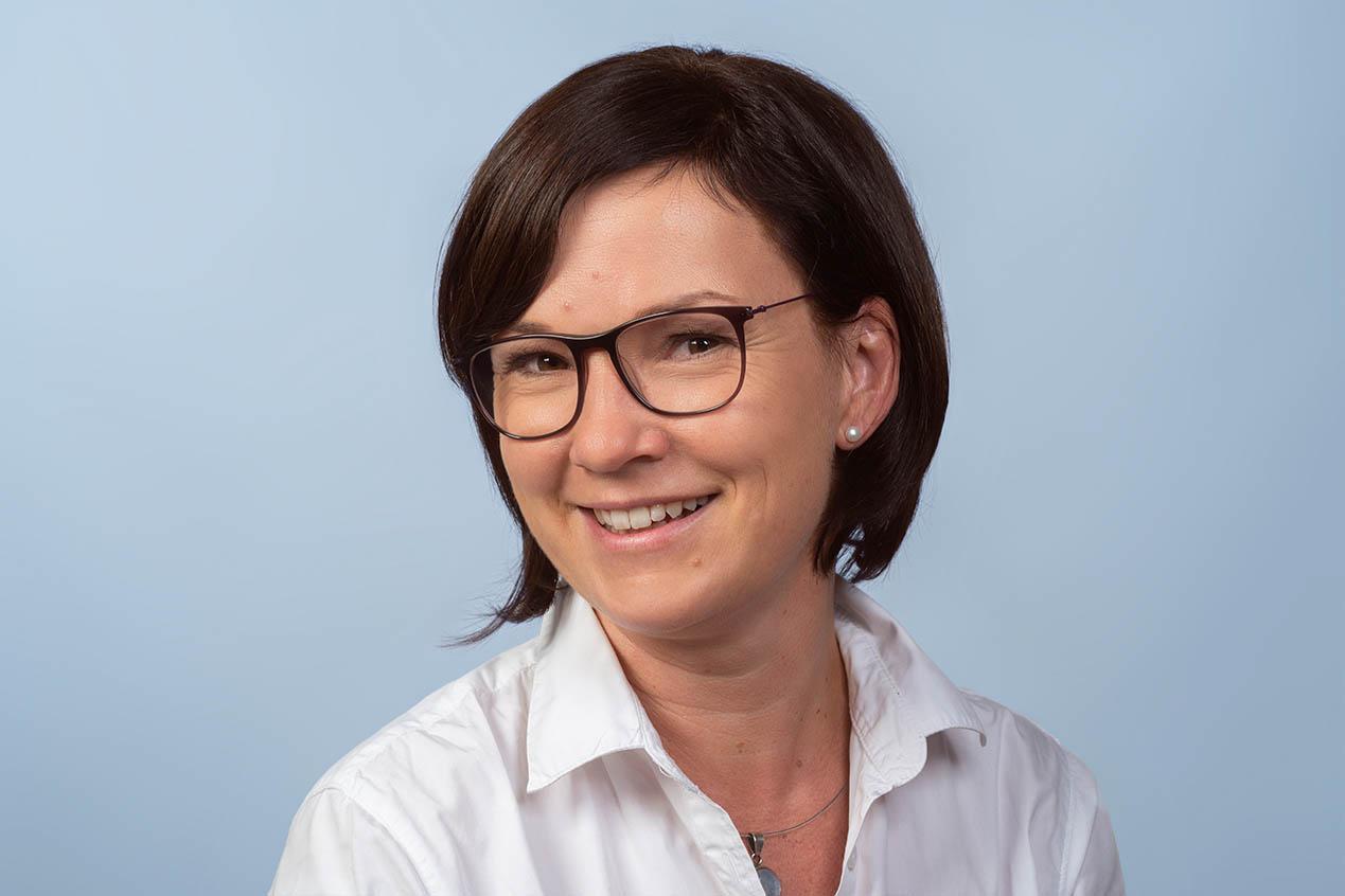 Frau Susanne Walz