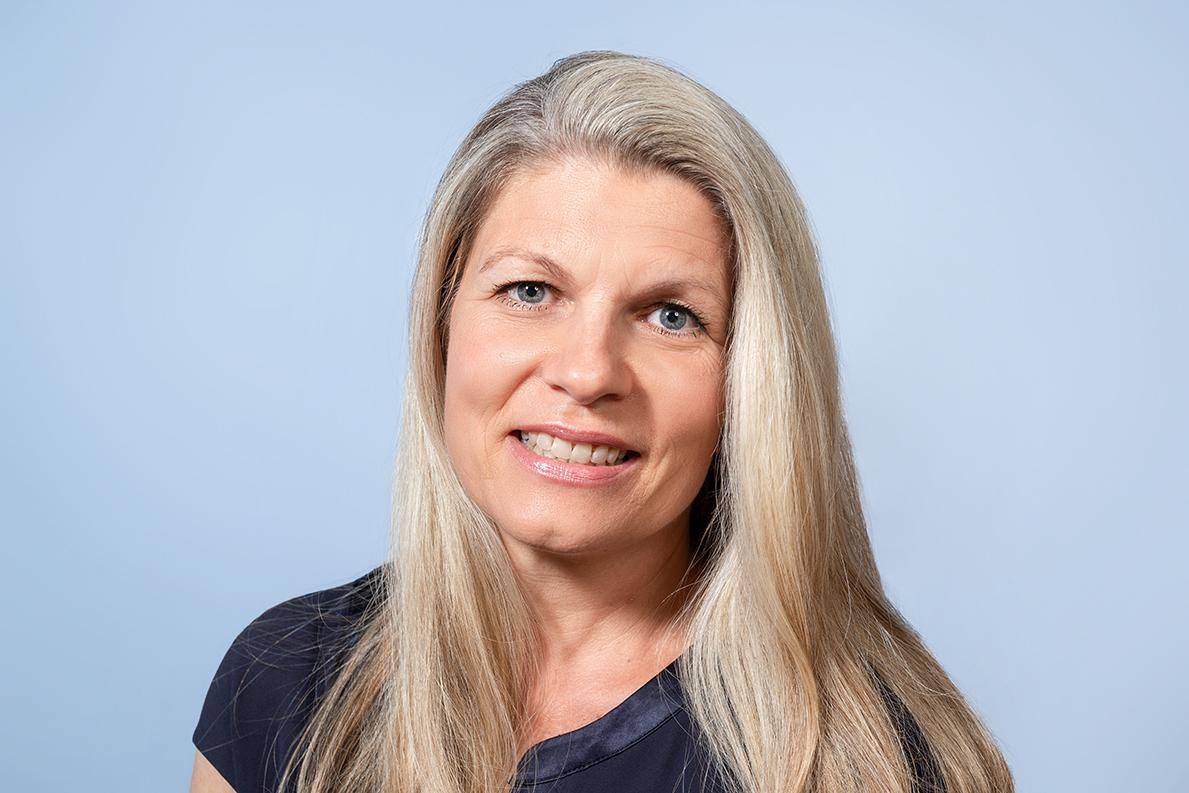 Frau Claudia Schreiner
